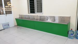 thi công chậu rửa tay công nghiệp cho trường học